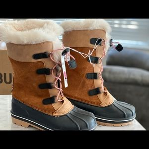 Girls sz3 brown fur lined boots NWT